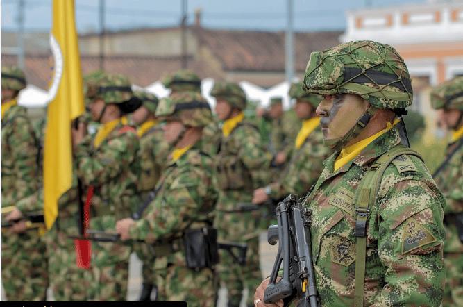 Militares colombianos en formación